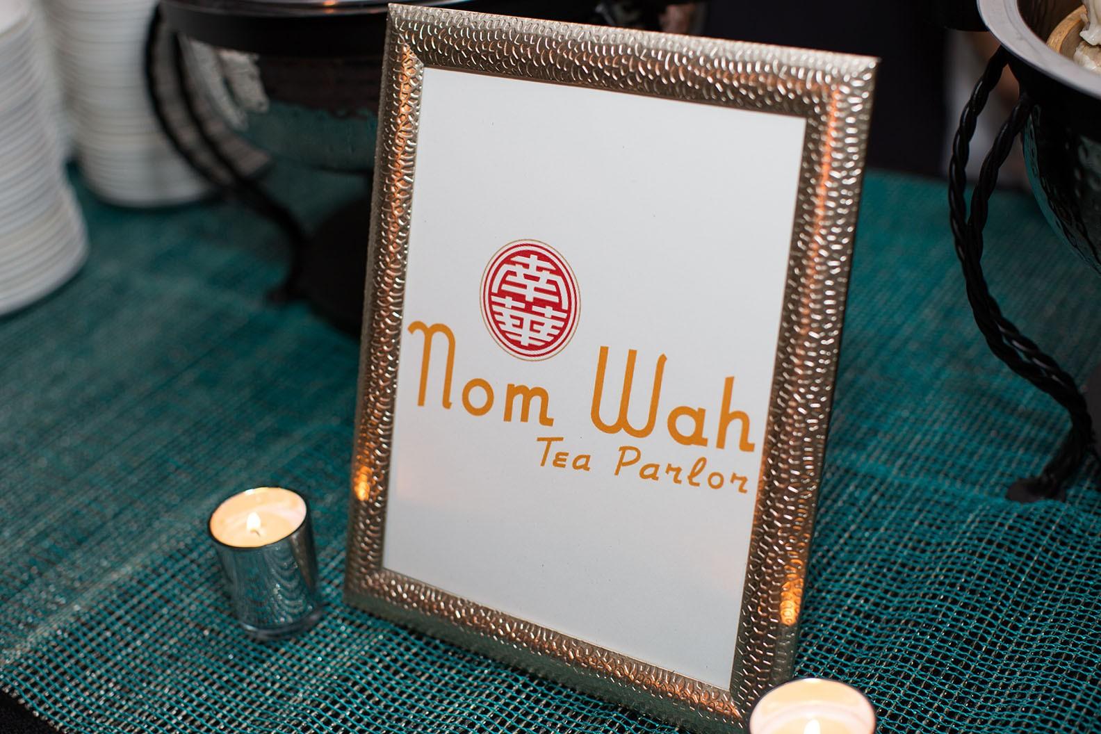 Nom Wah table display