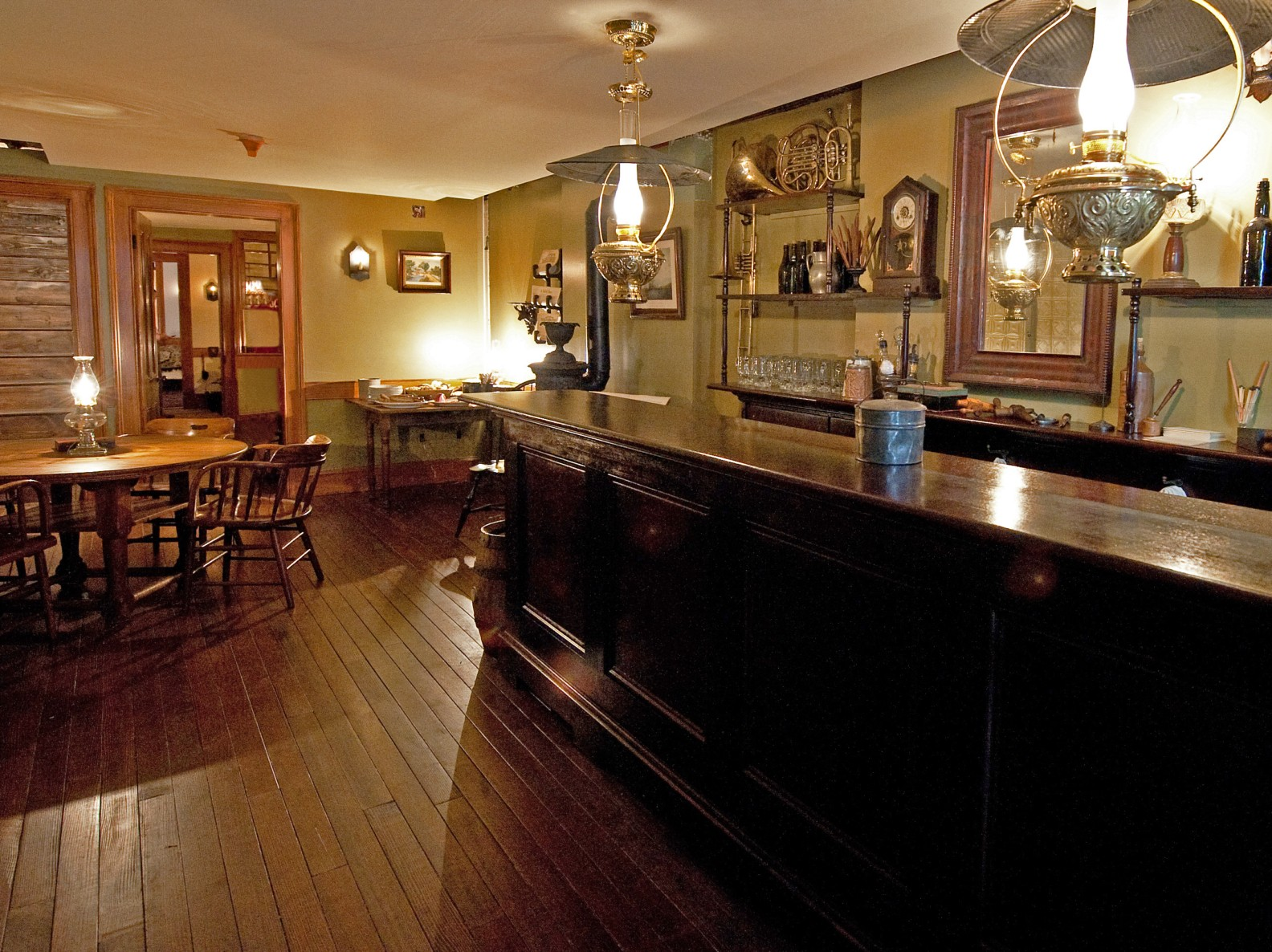 Recreated 1870s lager beer saloon inside 97 Orchard Street