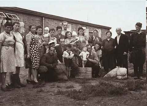 A group at the Zeilsheim Displaced Persons Camp