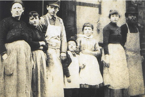 A photo of the Lustgarten family