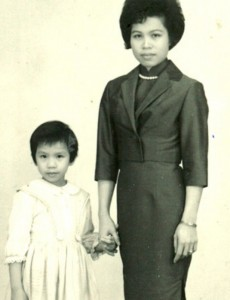 "Mrs. Wong and her daughter Yat Ping, subjects of our new exhibition ""Under One Roof"""